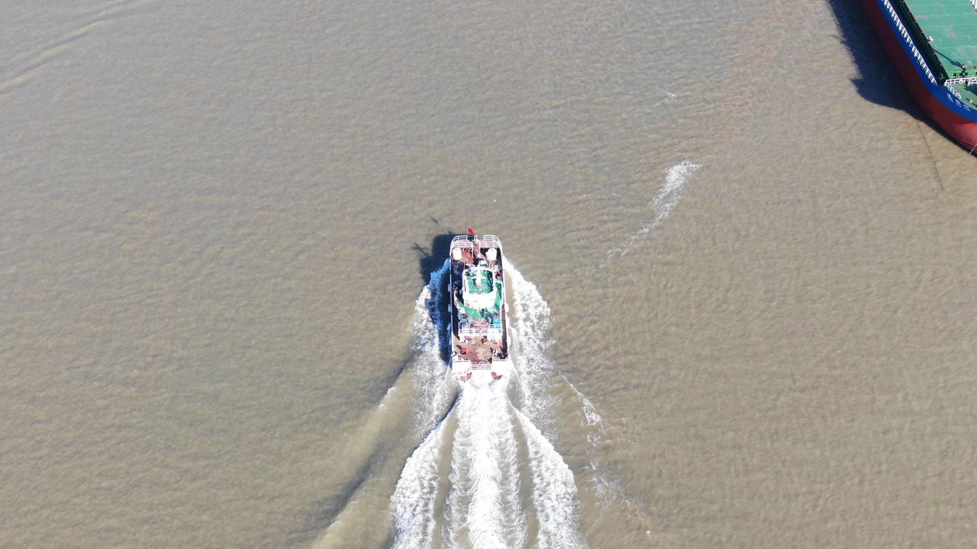 华海重工-制造 19m海上风电运维服务船,试航