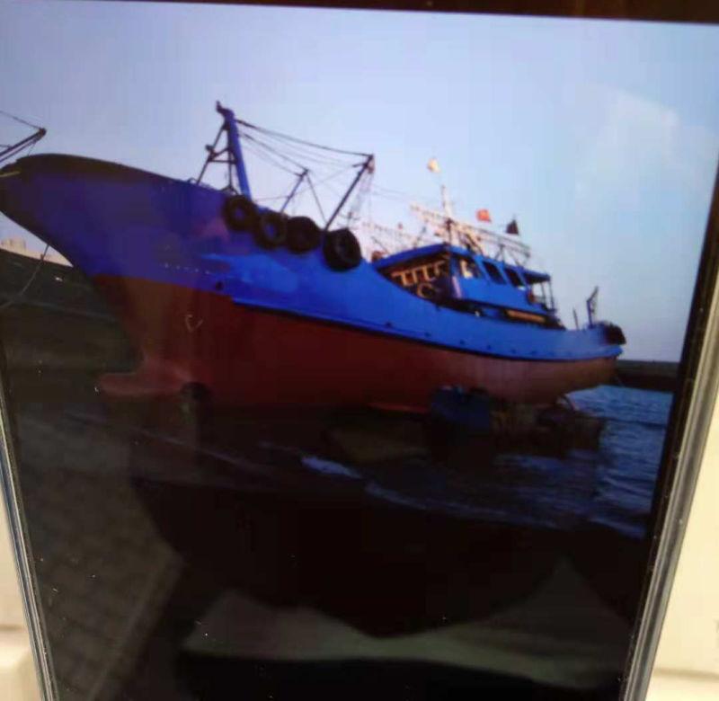 灯光诱渔围网渔船