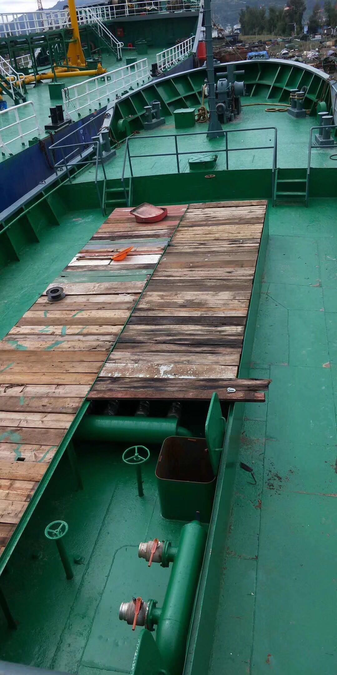 出售600吨油船