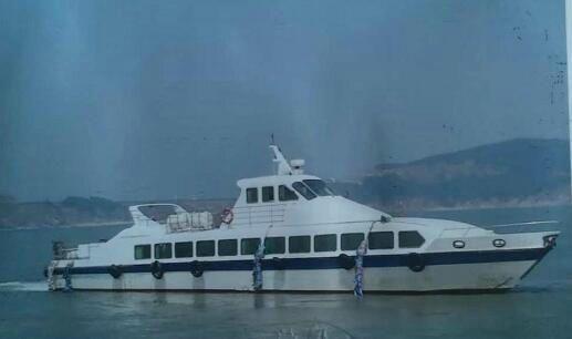 95人沿海玻璃钢客船