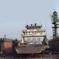 出售1990年造3100举力内河浮船坞