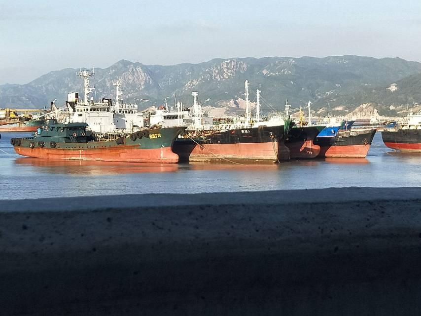 出售1000一1200吨 无证货改油船