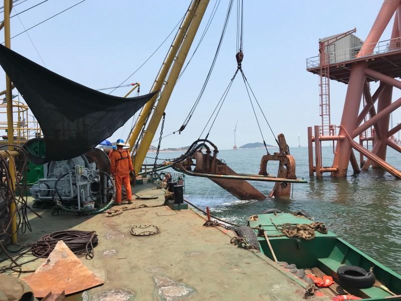 2100吨海缆施工船
