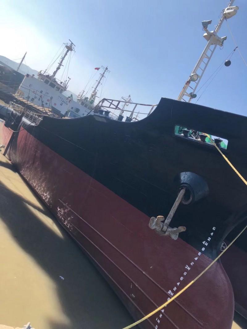 1200吨散货船