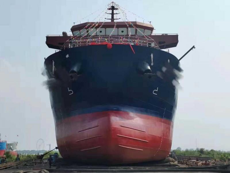 出售1万吨集装箱甲板驳