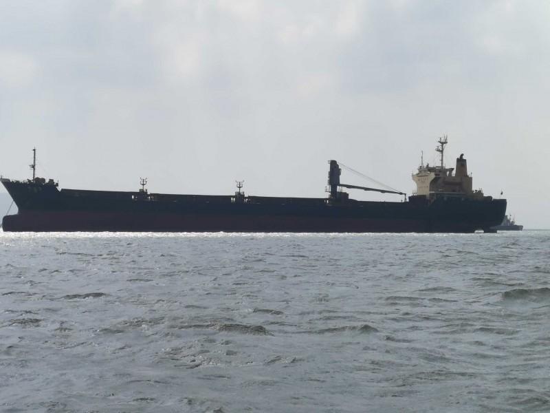 1.5万到5万吨外贸货船