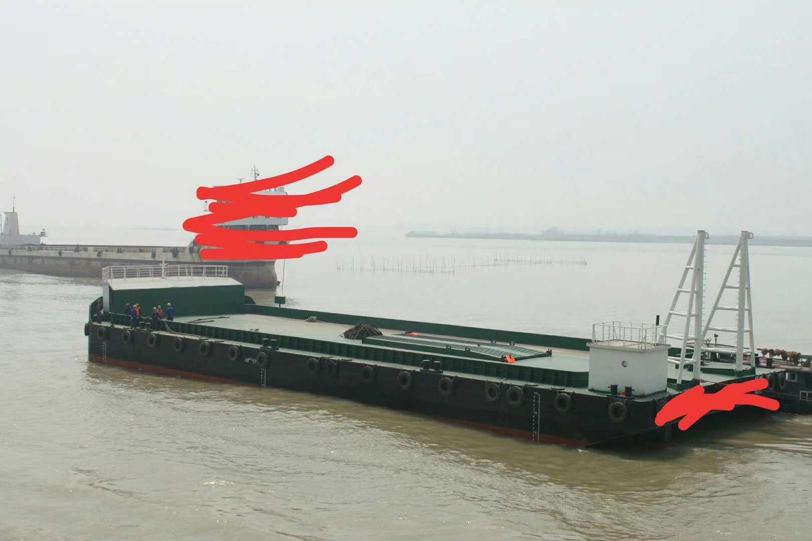 非自航甲板驳