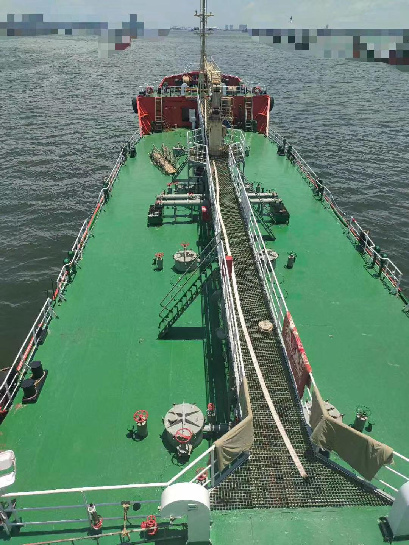 求购2000吨重油船
