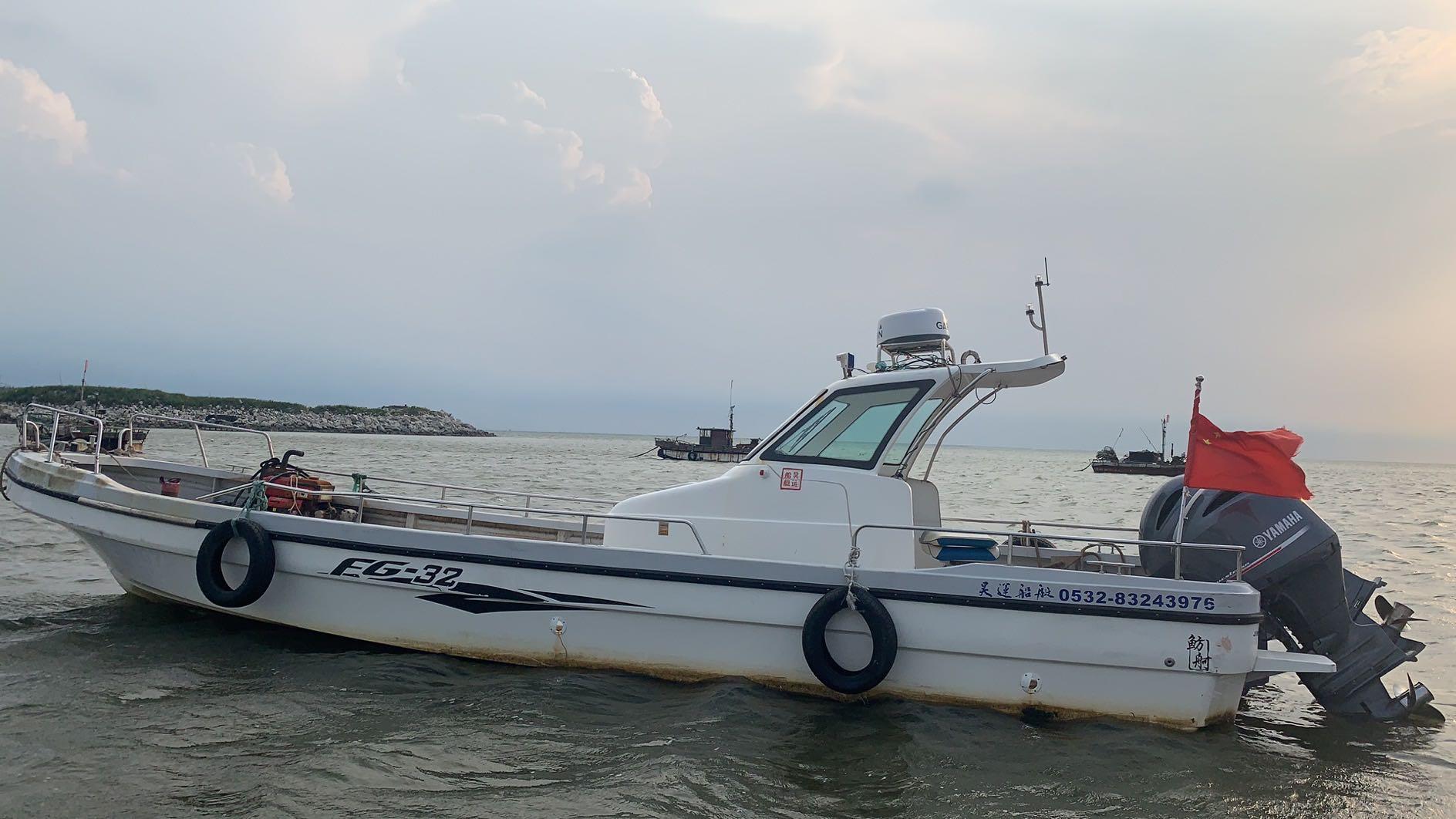 出售9.6米雅马哈双挂机快艇。