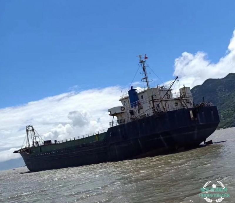 低价出售13年3200吨无证自卸沙船