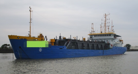 出售2400方耙吸挖泥船