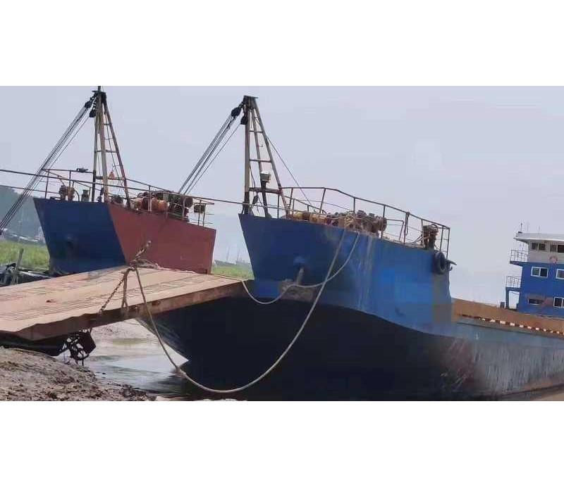 出售:2000吨内河甲板