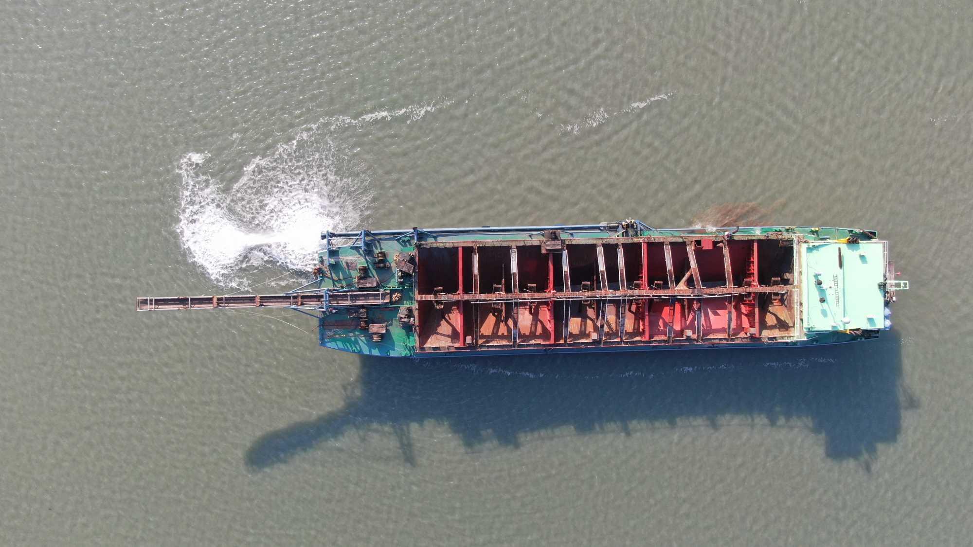 出售 3000吨内河自吸自卸沙船