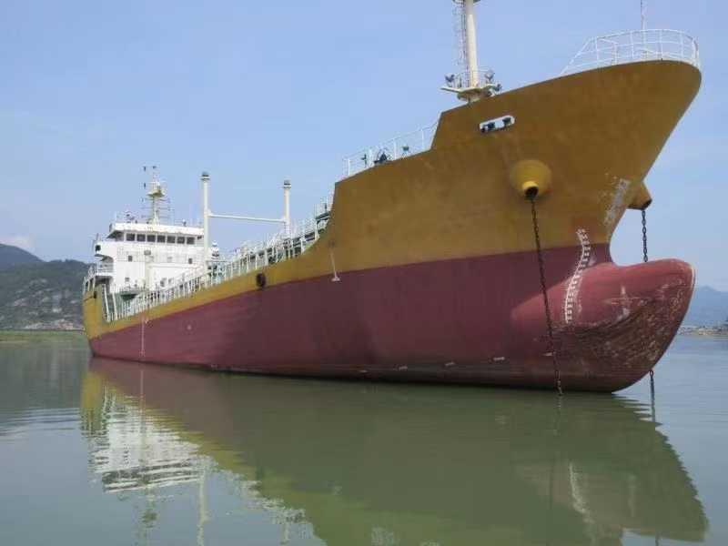 出售:2020年造3200吨加油船