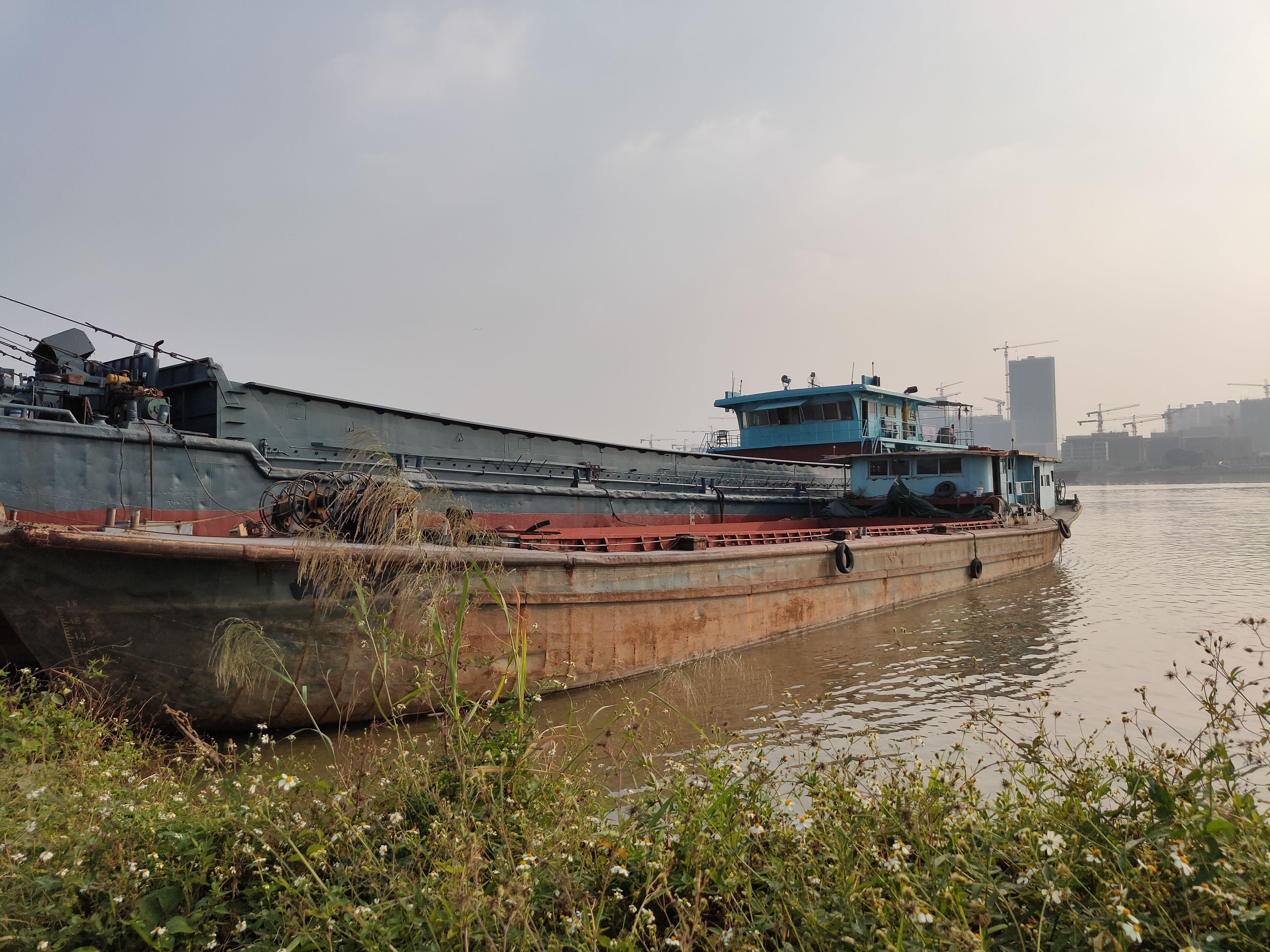 低价抛售一般干货船