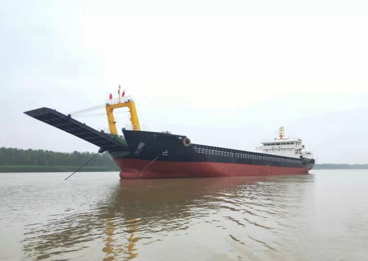 出售4300吨甲板驳船