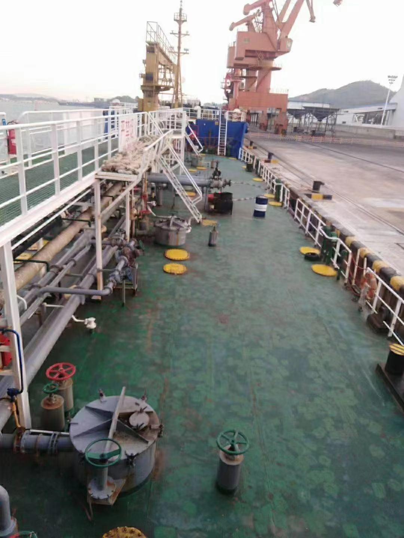 出售2666吨油船