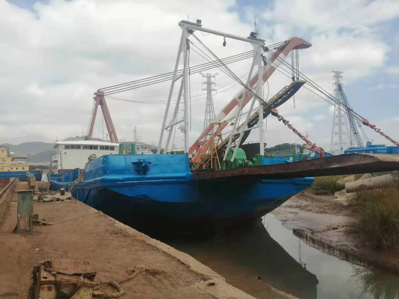 出售:2002年造甲板船