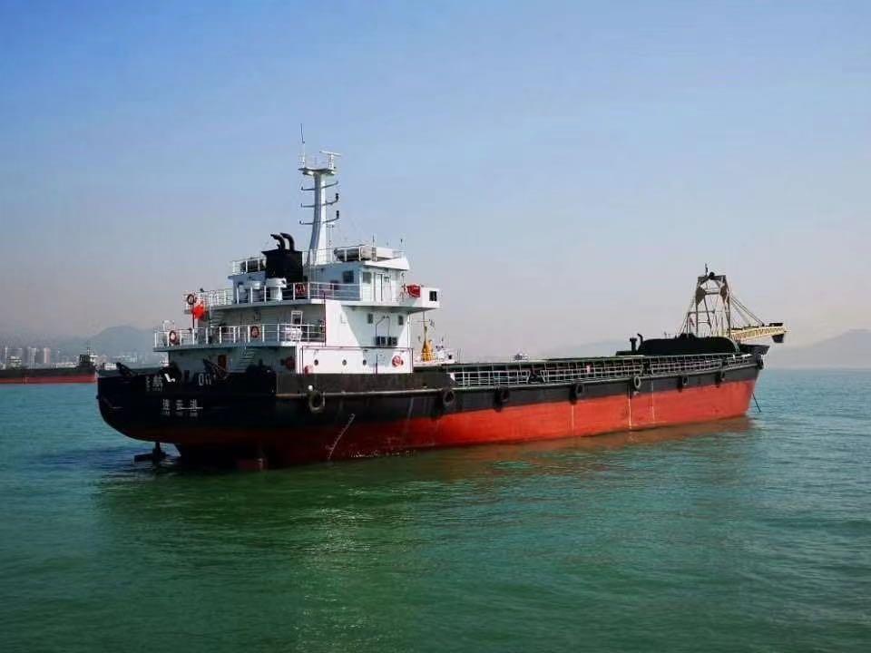 出售3300吨自卸沙船
