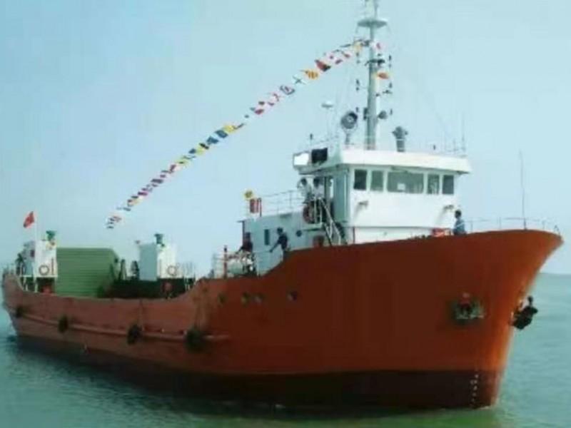 售:2000年近海480吨滚装船
