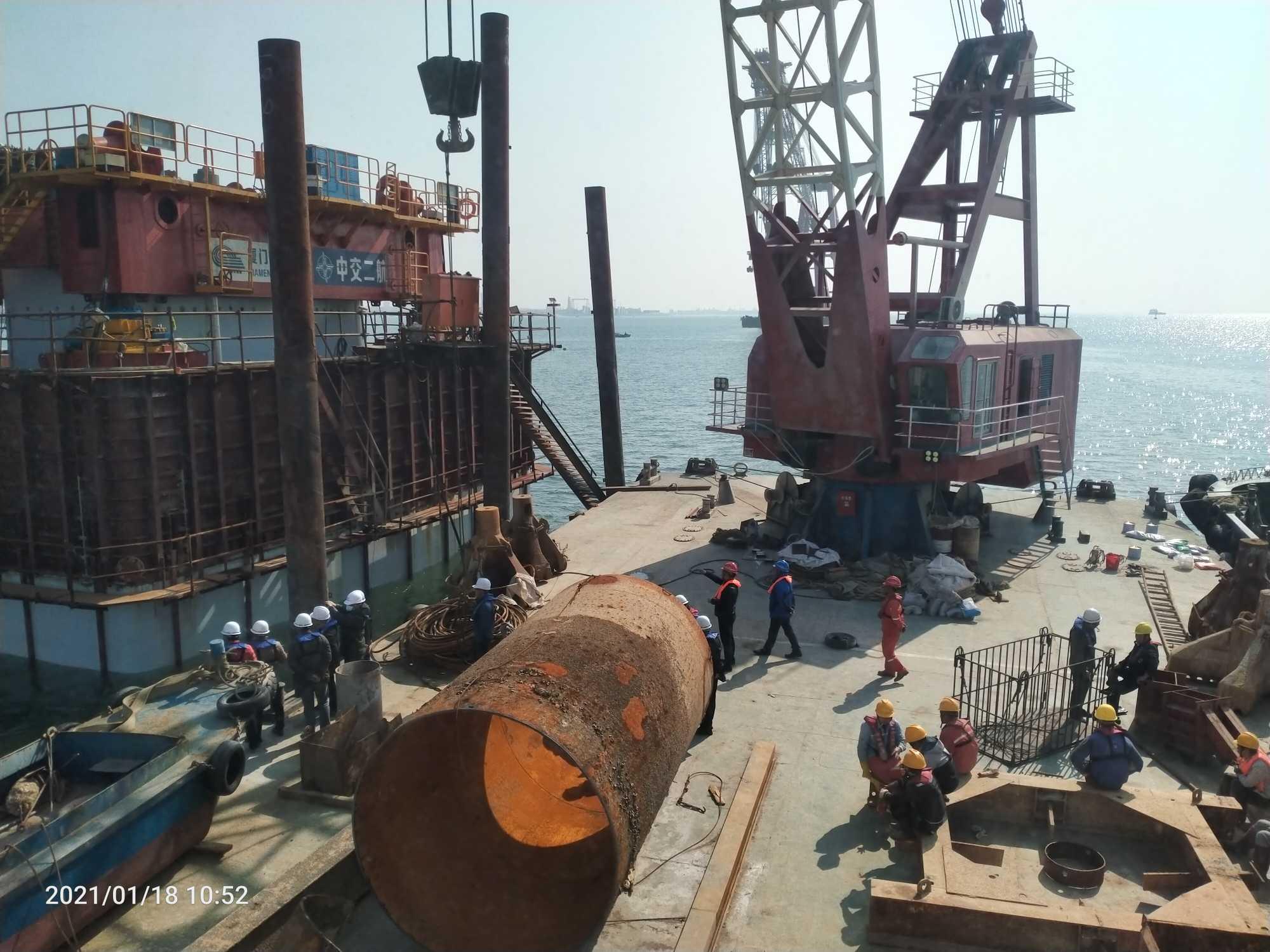 100吨沿海起重船