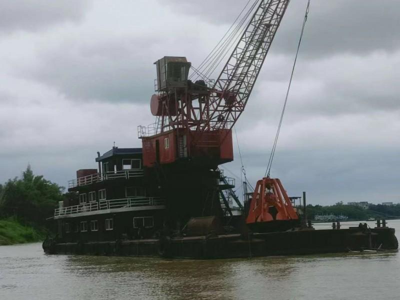 出售2013年造双132内河航区8方过驳浮吊