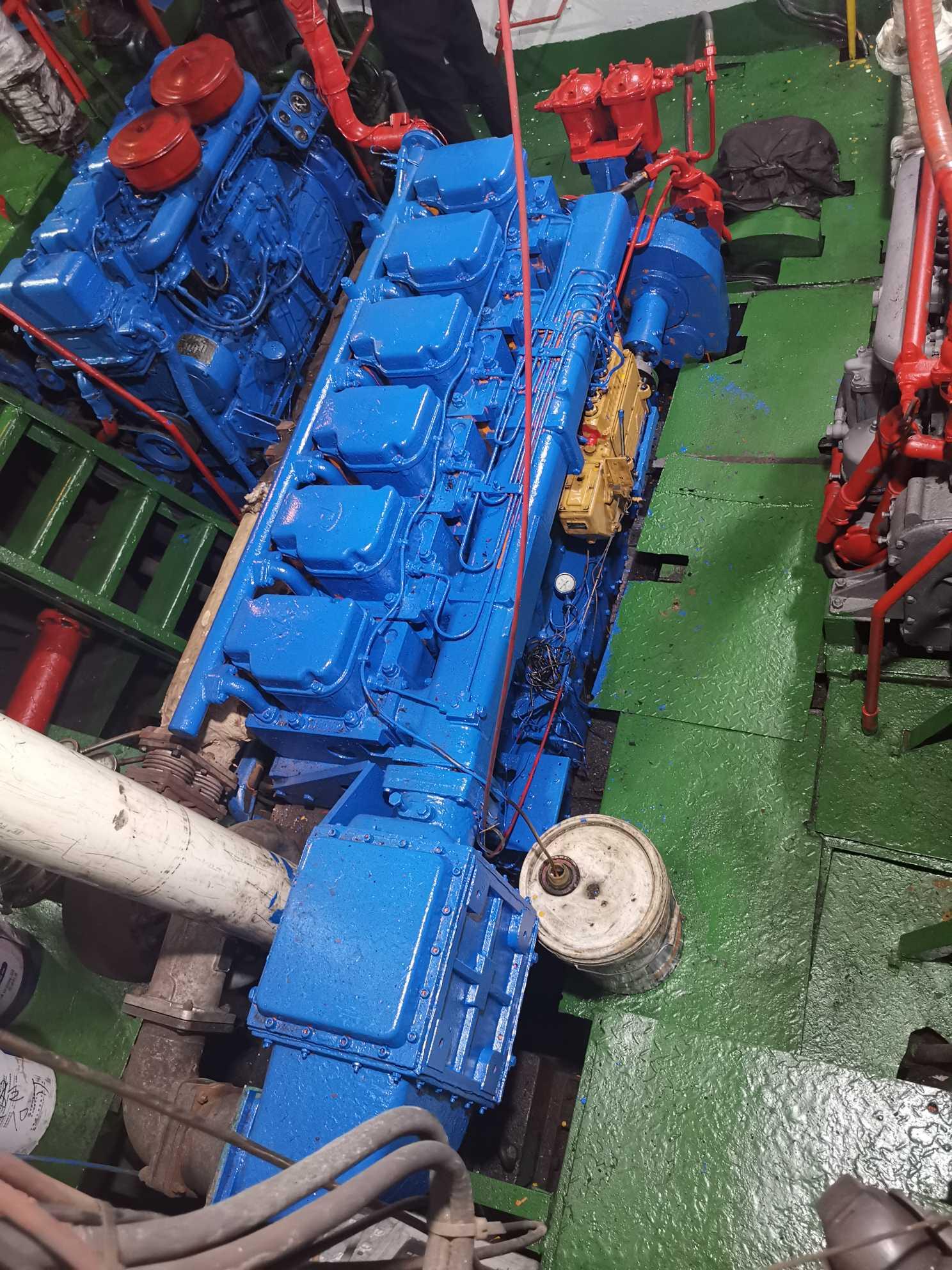 1000吨油船