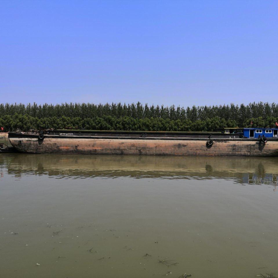 出售1200吨驳船