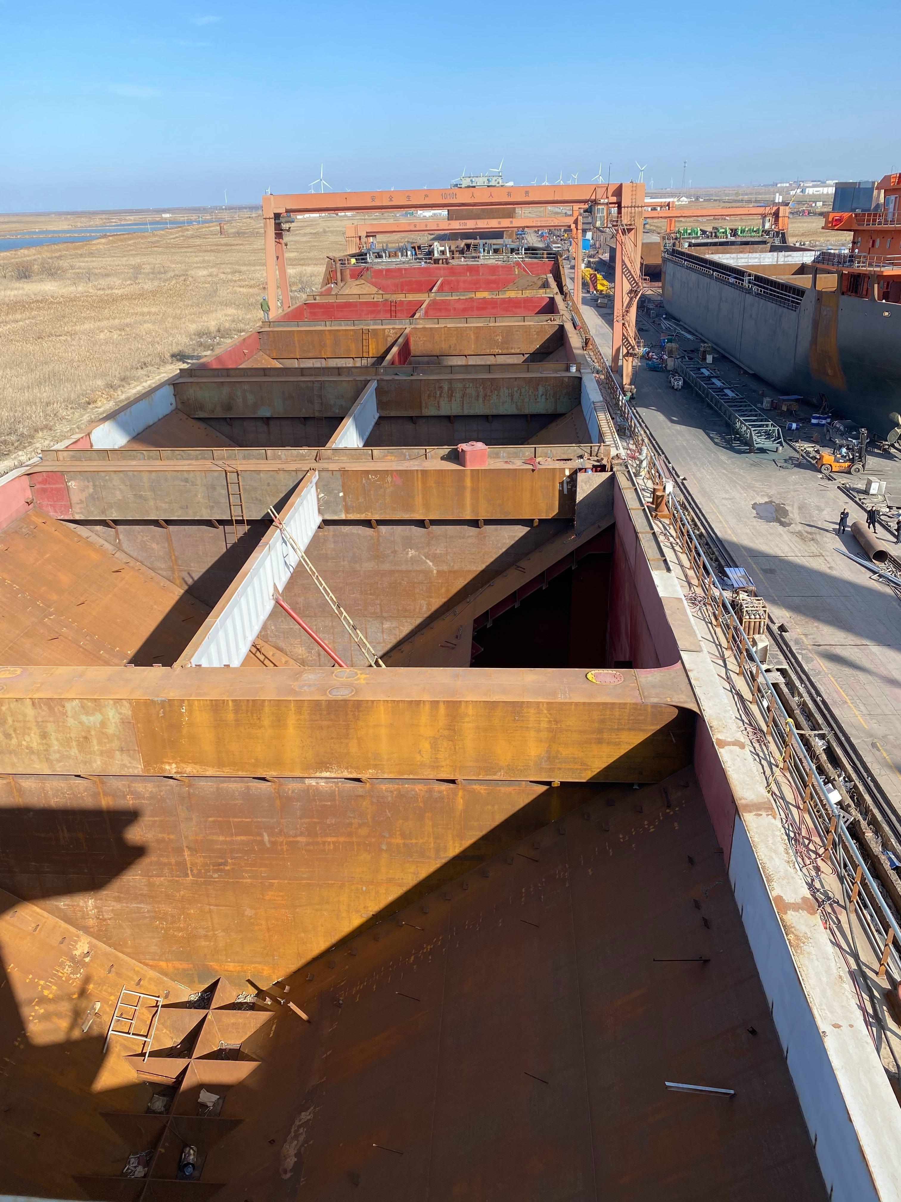 出售6300吨自吸自卸沙船