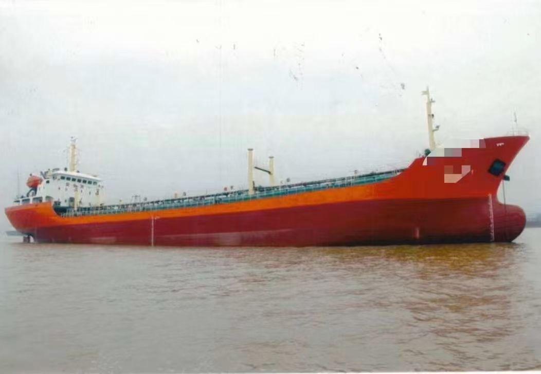出售6600吨一级油船