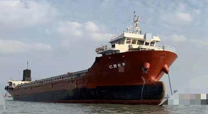 甲板驳集装箱船