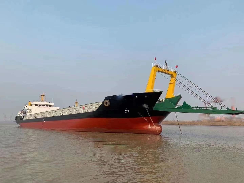 出售参考吨位3800吨后驾驶甲板驳