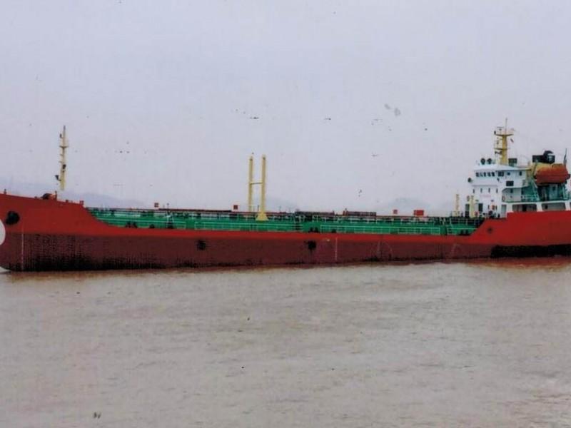 出售2005年造3400吨近海一级双壳油船