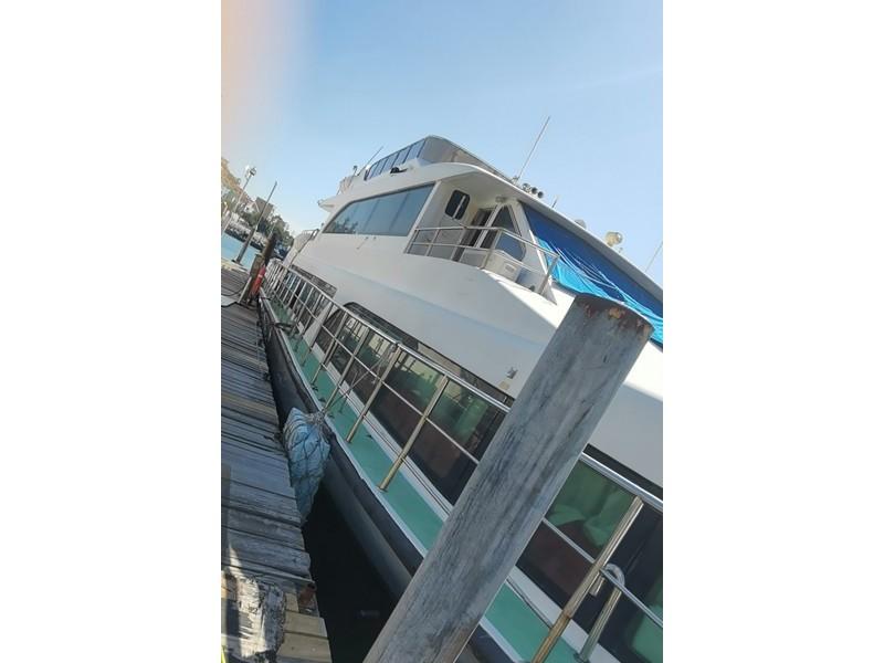 出售2011年造31.02米150人遮蔽玻璃钢单体高速客船