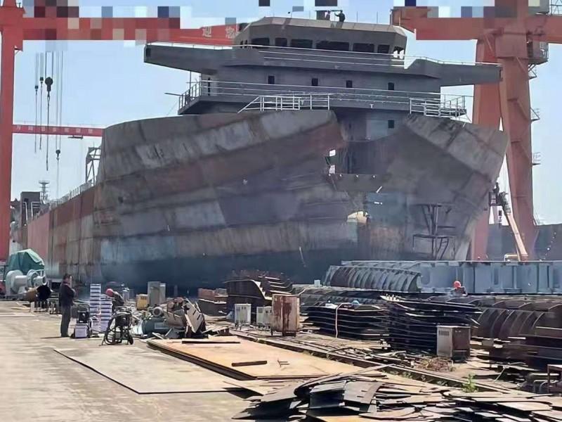 出售2021年造12000吨前驾驶大件甲板驳船