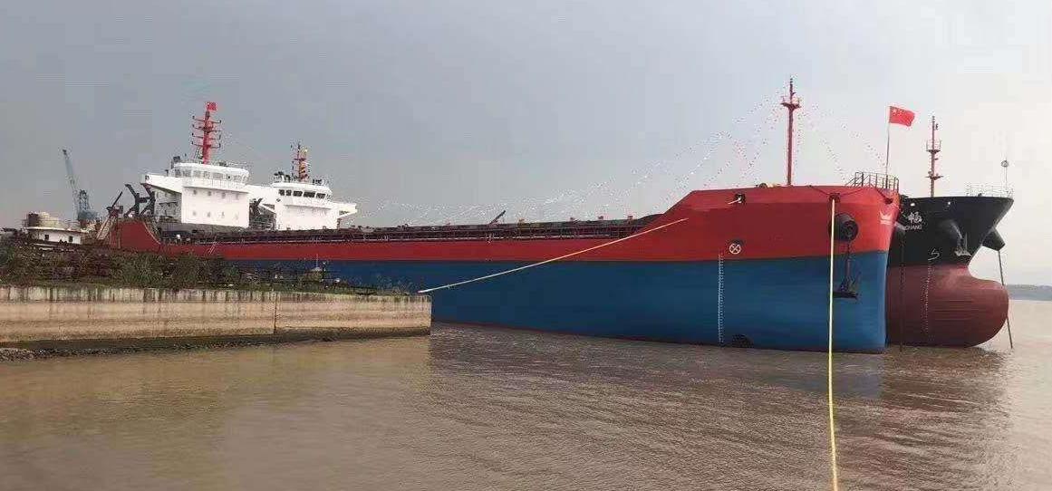 2019年10江苏造9805吨散货船,