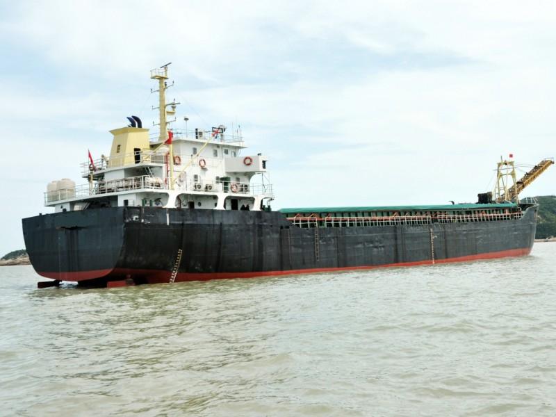 售:2009年沿海4200吨自卸砂船