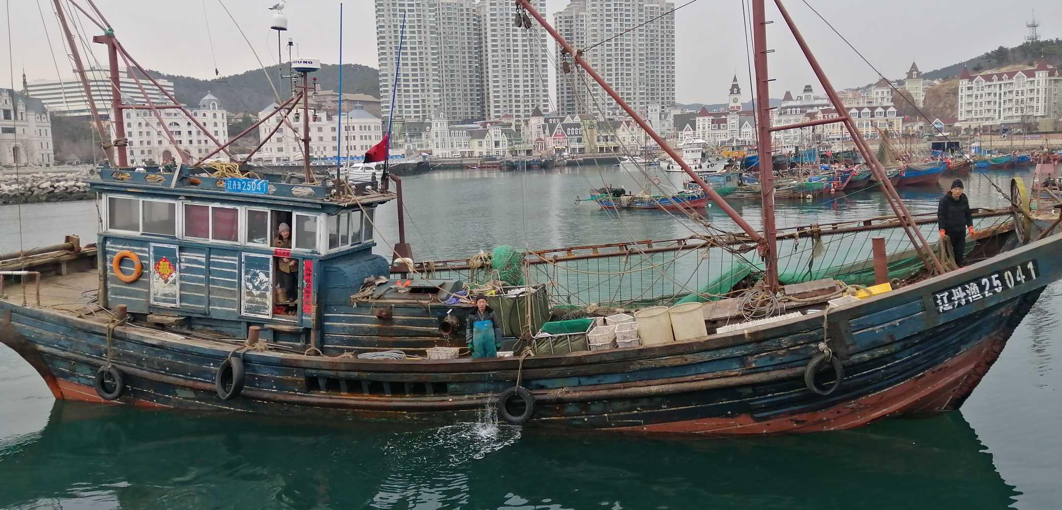 求购单拖钢制渔船