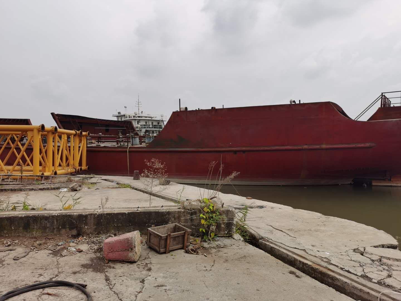 出售新建1700方沿海供油船