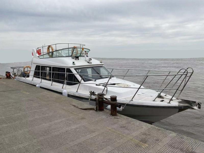出售2018年造13.8米10人内河玻璃钢游艇