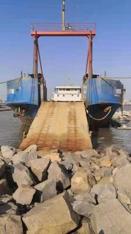 出售:2015年造后驾甲板船