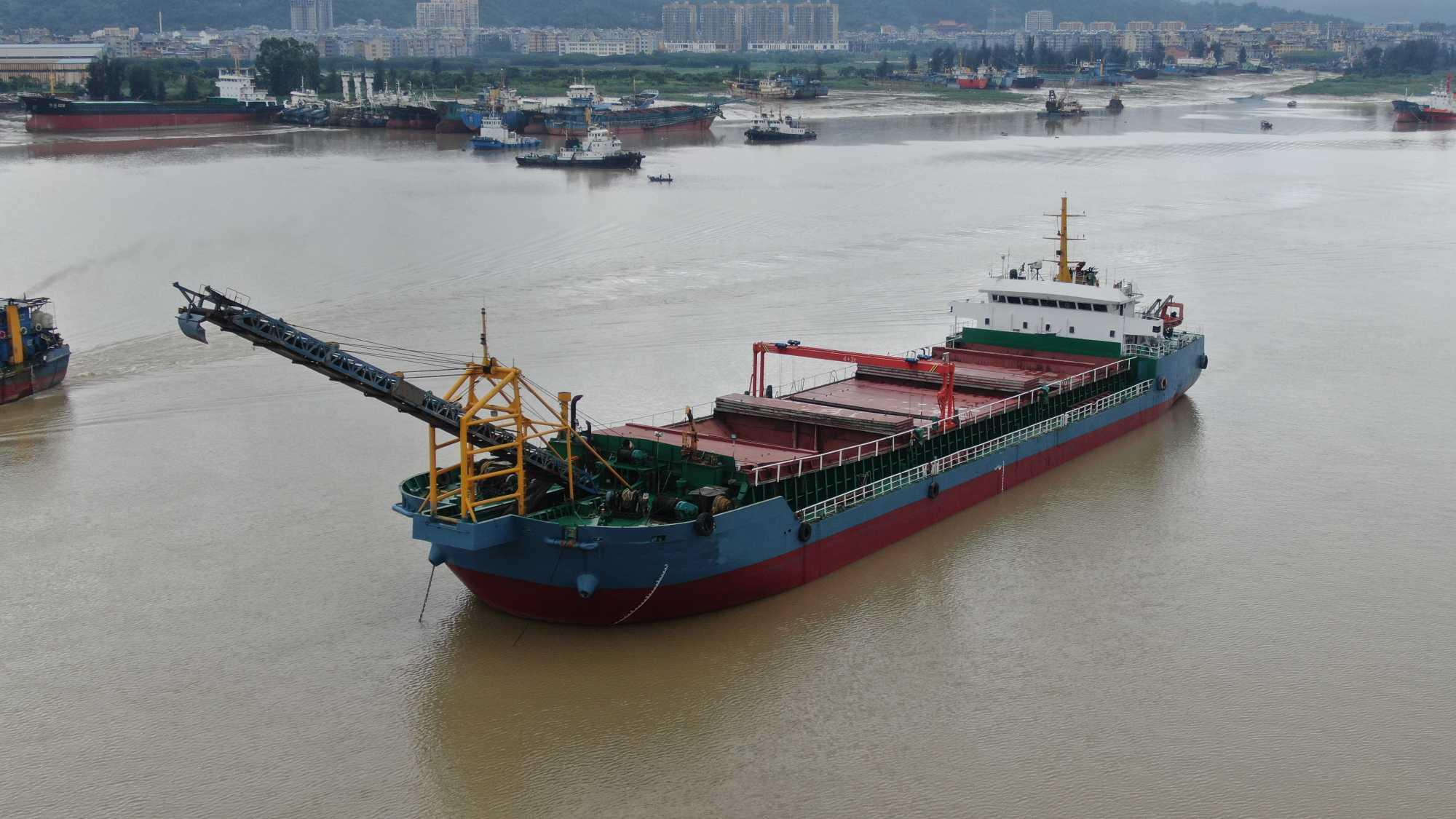 出售4000吨自卸砂船