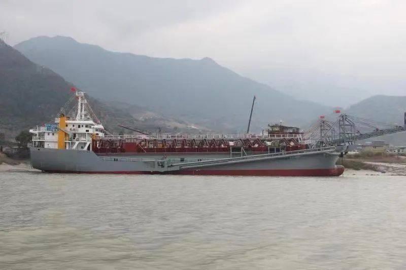 求购或求租2000-3000吨海船有证书的联系15859369919