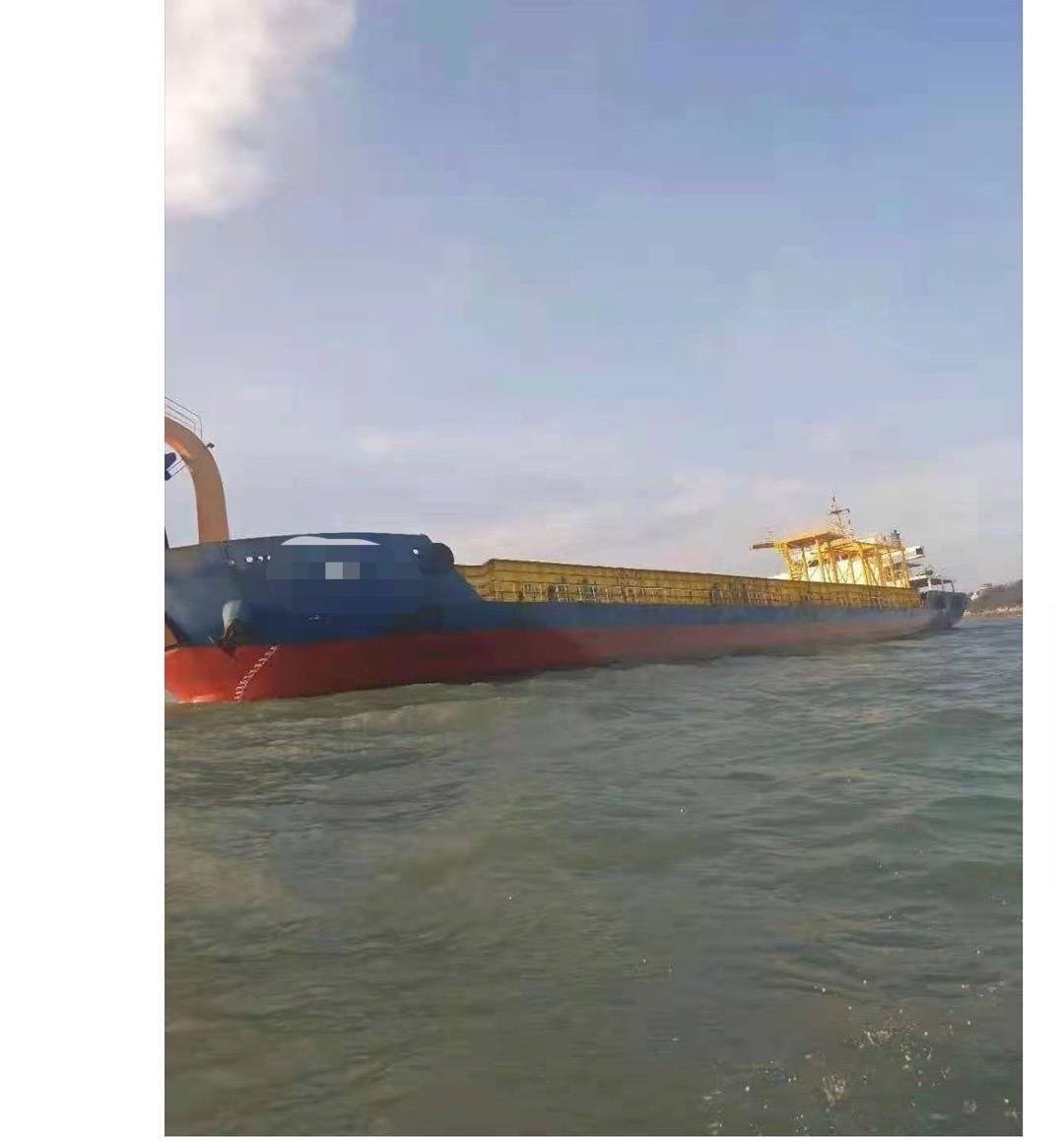 出售4000马力甲板船