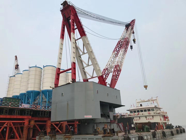 出租07年造200吨全回转浮吊船