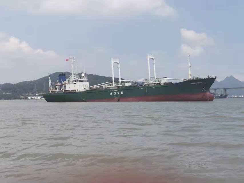 1600吨 外籍冷冻船出售