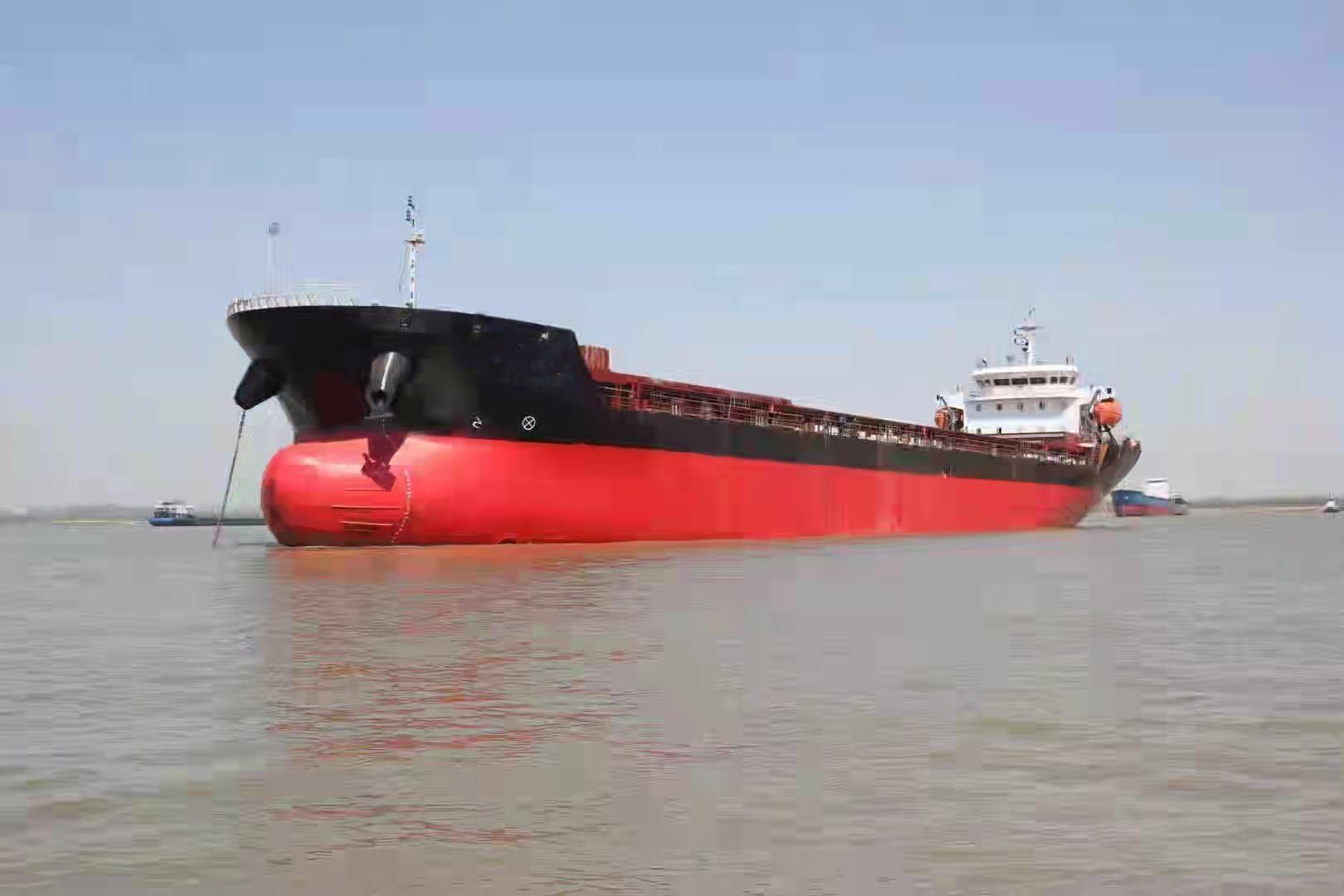 出售11000吨单壳散货船