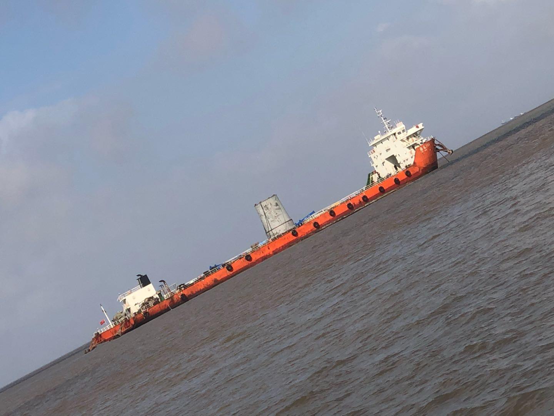 出售沿海7600吨散货船(双机)
