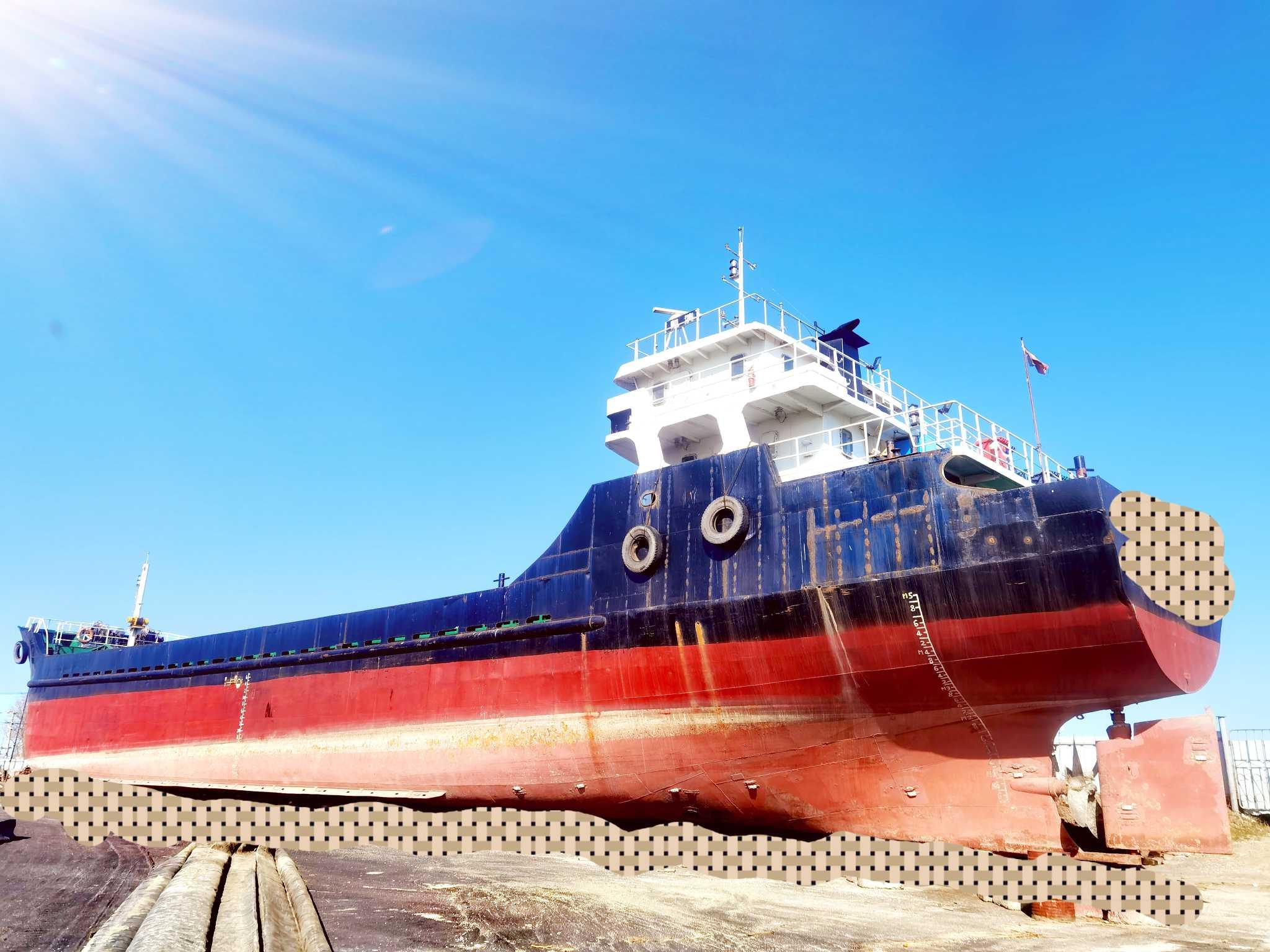 求租1000吨散货船