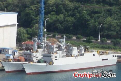 辽宁船厂下水1艘战舰和盘旋直升机图